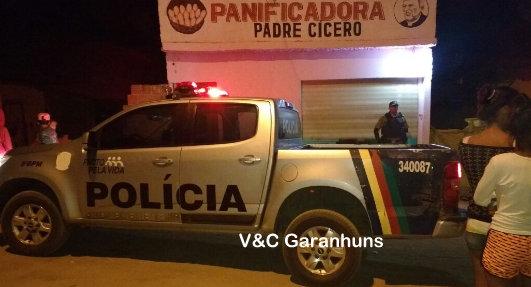 47d7d8394 Comerciante de 46 anos morre ao ser baleado dentro de padaria na Cohab III  em Garanhuns