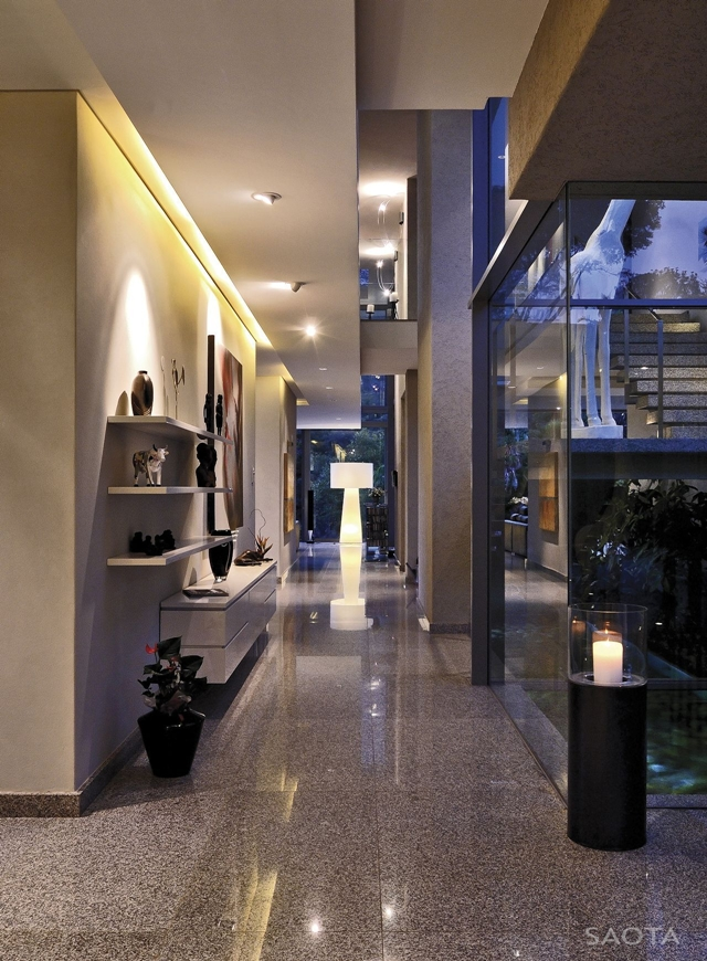 Picture of long hallway in the modern villa
