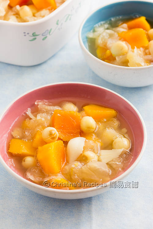 木瓜雪耳蓮子糖水 Paw Paw and Snow Ear Dessert Soup