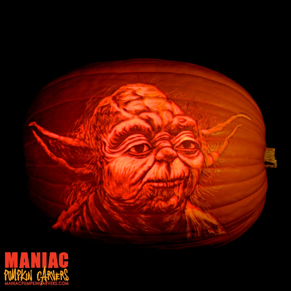 03-Yoda-Jedi-Master-Star-Wars-Maniac-Pumpkin-Carvers-Introduce-Halloween-www-designstack-co