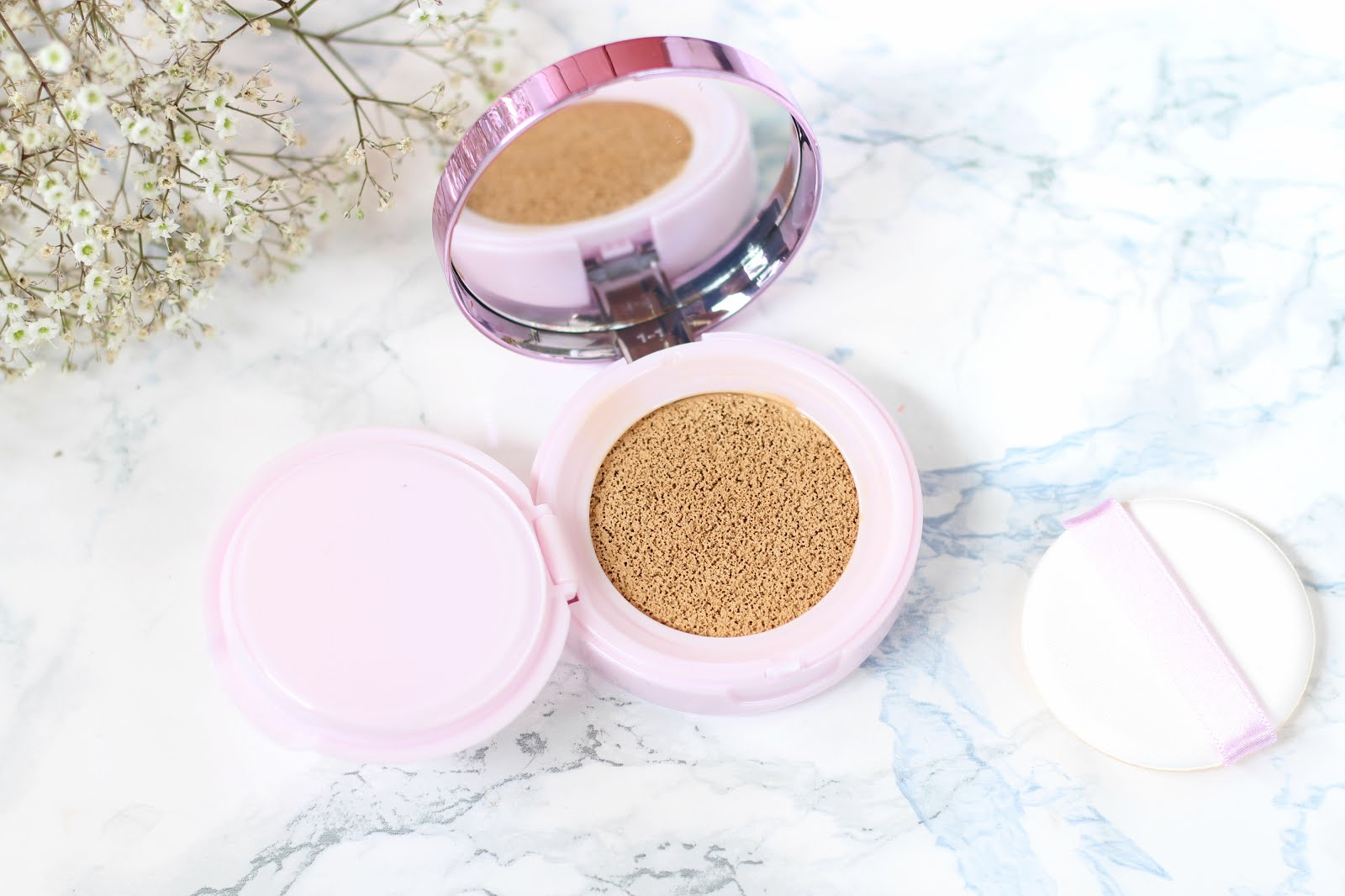 loreal nude magique cushion, loreal cushion, loreal cushion foundation, loreal cushion foundation
