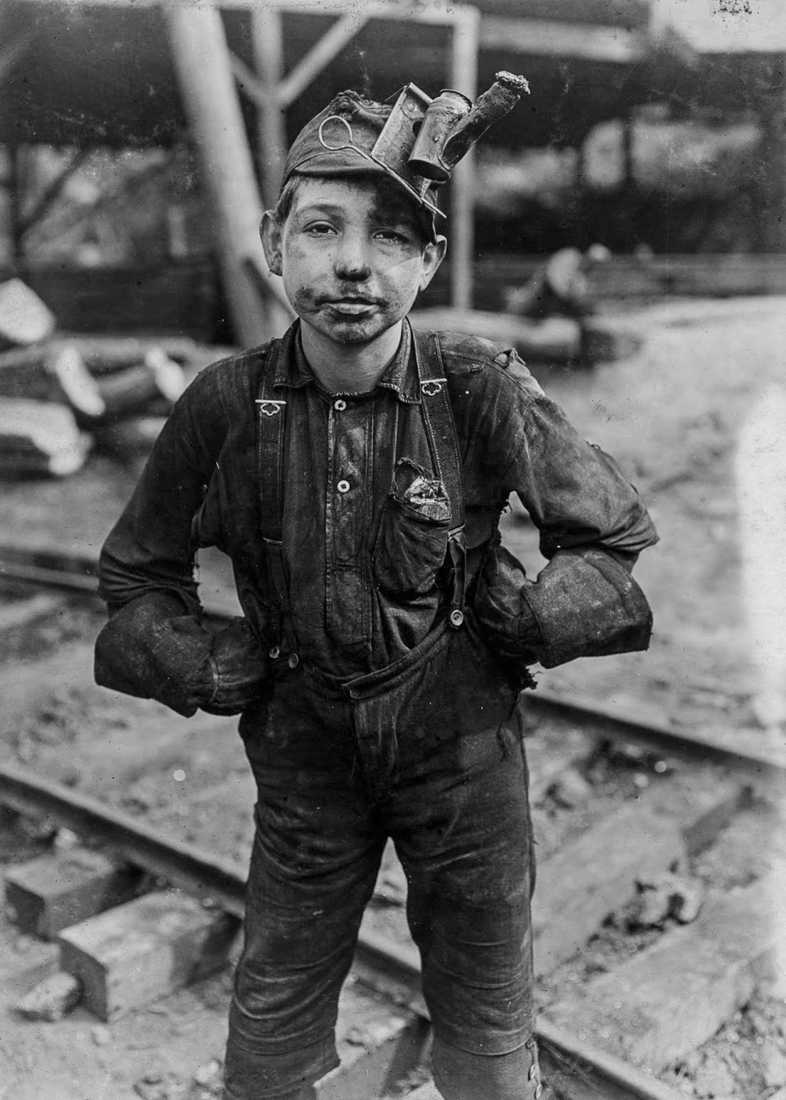 A tipple boy at Turkey Knob Mine in Macdonald, West Virginia. 1908.
