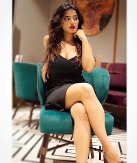 Ketika Sharma Hot Cleavage Pics