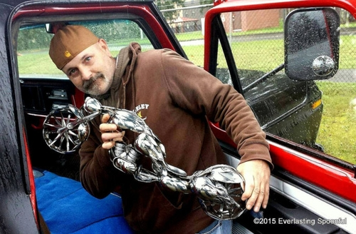 00-Jim-Rice-Chopper-Motorcycle-Sculptures-made-from-Spoons-www-designstack-co