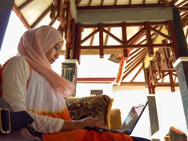 Ingin punya laptop super ringan buat traveling. Source: jurnaland.com