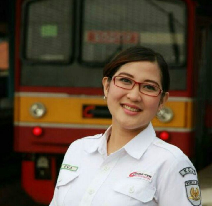 Lowongan Kerja PT.KAI Commuter Jabodetabek Terbaru 2017 untuk Lulusan SMK Sederajat