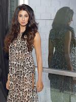 Sanjana Glamours Stills-cover-photo