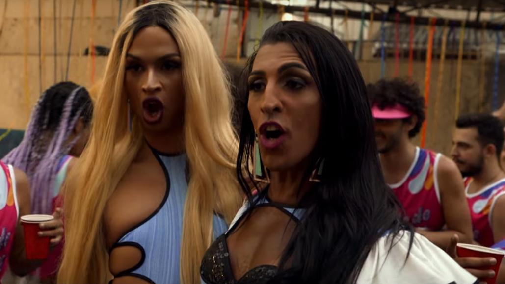 Em parceria com a Avon e o Bloco Minhoqueens, o baile da cantora e drag queen ainda contará com maquiadores e MUITA diversidade.