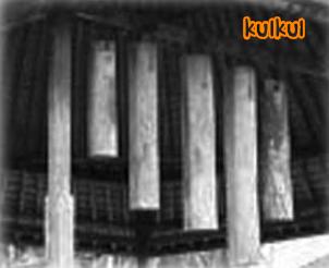 gambar dari alat komunikasi tradisional Kulkul