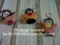 souvenir pernikahan murah, souvenir gantungan kunci tas ulir