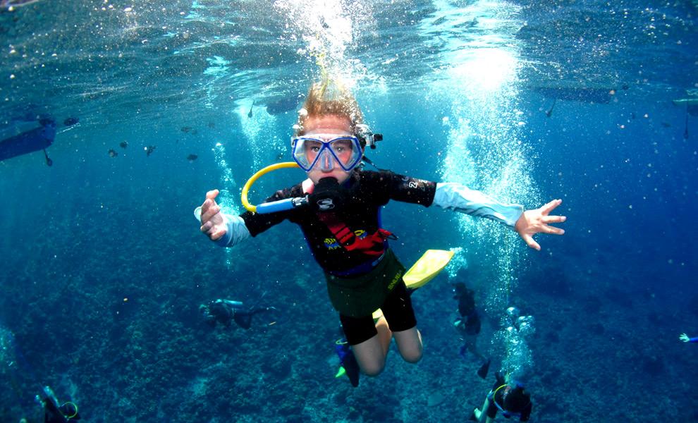 Snorkel off the island of Molokini
