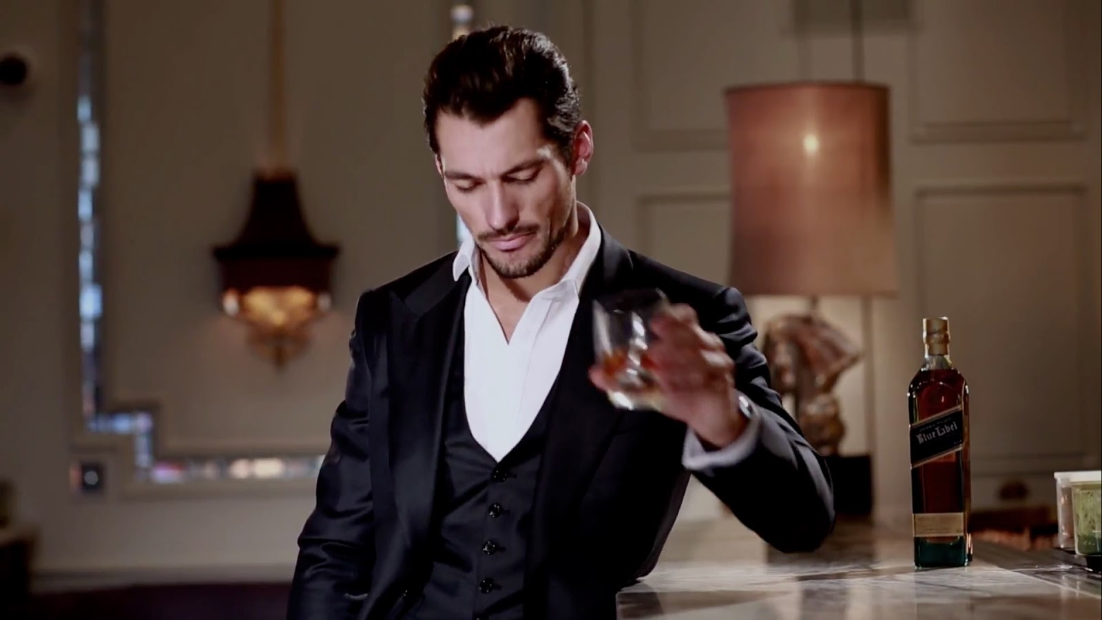 David Gandy posa con Blue Label