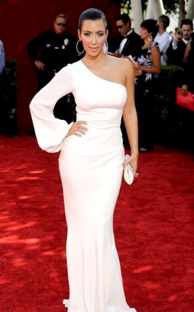 Vestido festa branco da Kim Kardashian