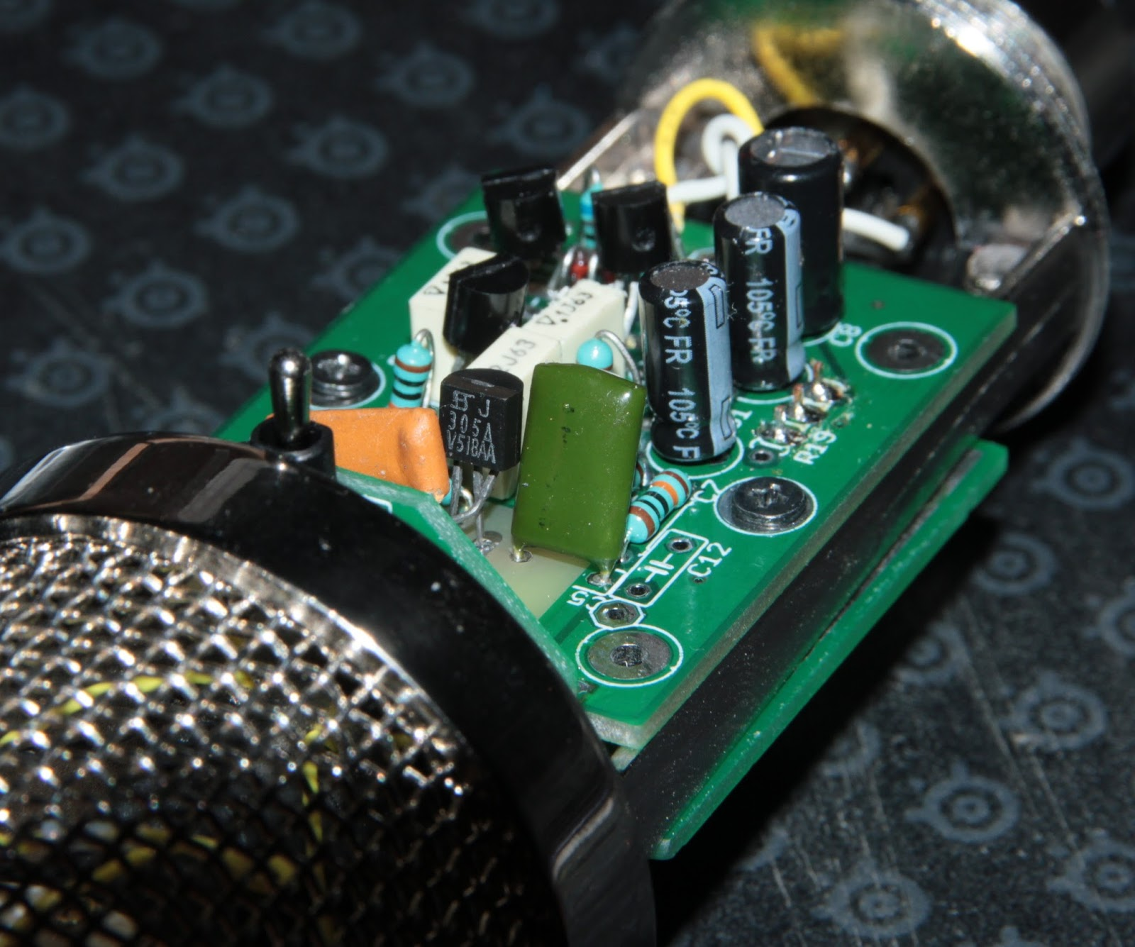 Khrons Cave 12 Cheap Chinese Bm800 Microphone Modding Upgrade Why Do You Pass A Mic Vout Through Capacitor Basic Electronics Before Freak Out No I Didnt Install The 1m Bias Trimmer For Jfet Gate Resistor On One Hand Because It Was Too Tall Body Tube To Fit