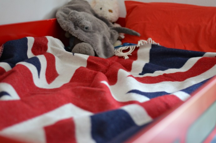London themed kids room