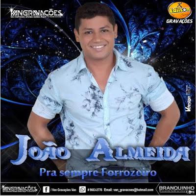 Resultado de imagem para FORROZEIRO JOÃO ALMEIDA