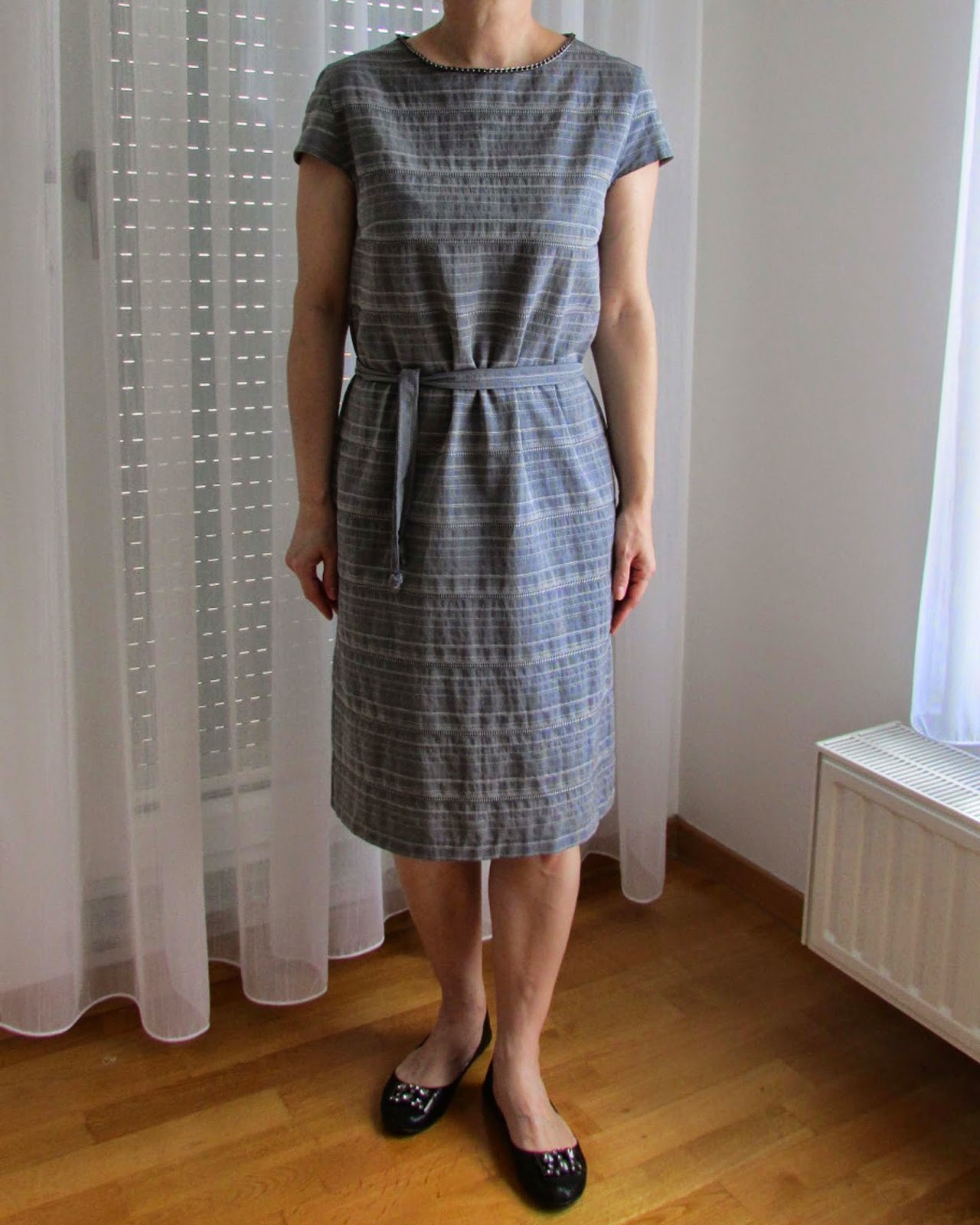 http://ladylinaland.blogspot.com/2014/07/embellished-grey-dress.html