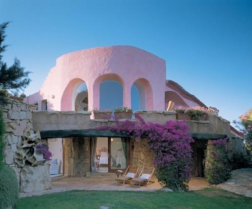 rózsaszín családi ház