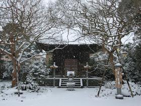 雪の宝戒寺