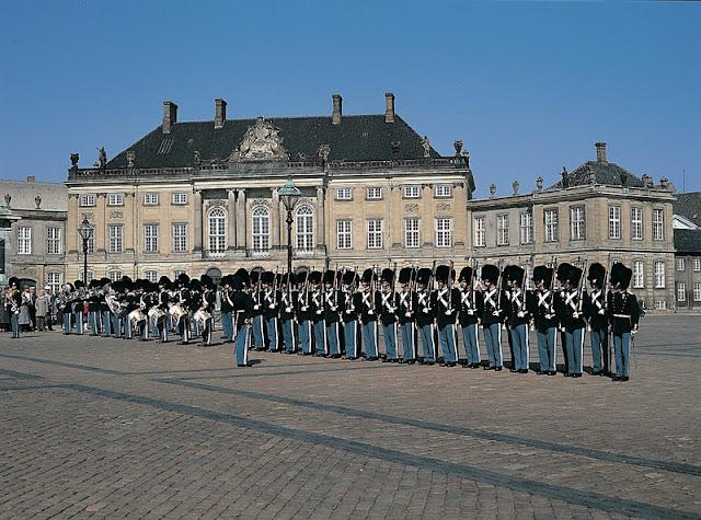 Dicas para curtir Copenhagen - Amalienborg