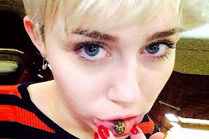 Miley Cyrus made a tattoo on the lower lip