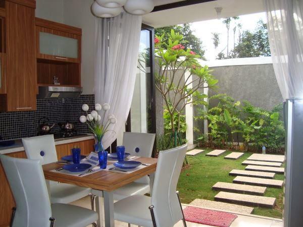 Gambar dapur dan ruang makan terbuka yang alami dan nyaman