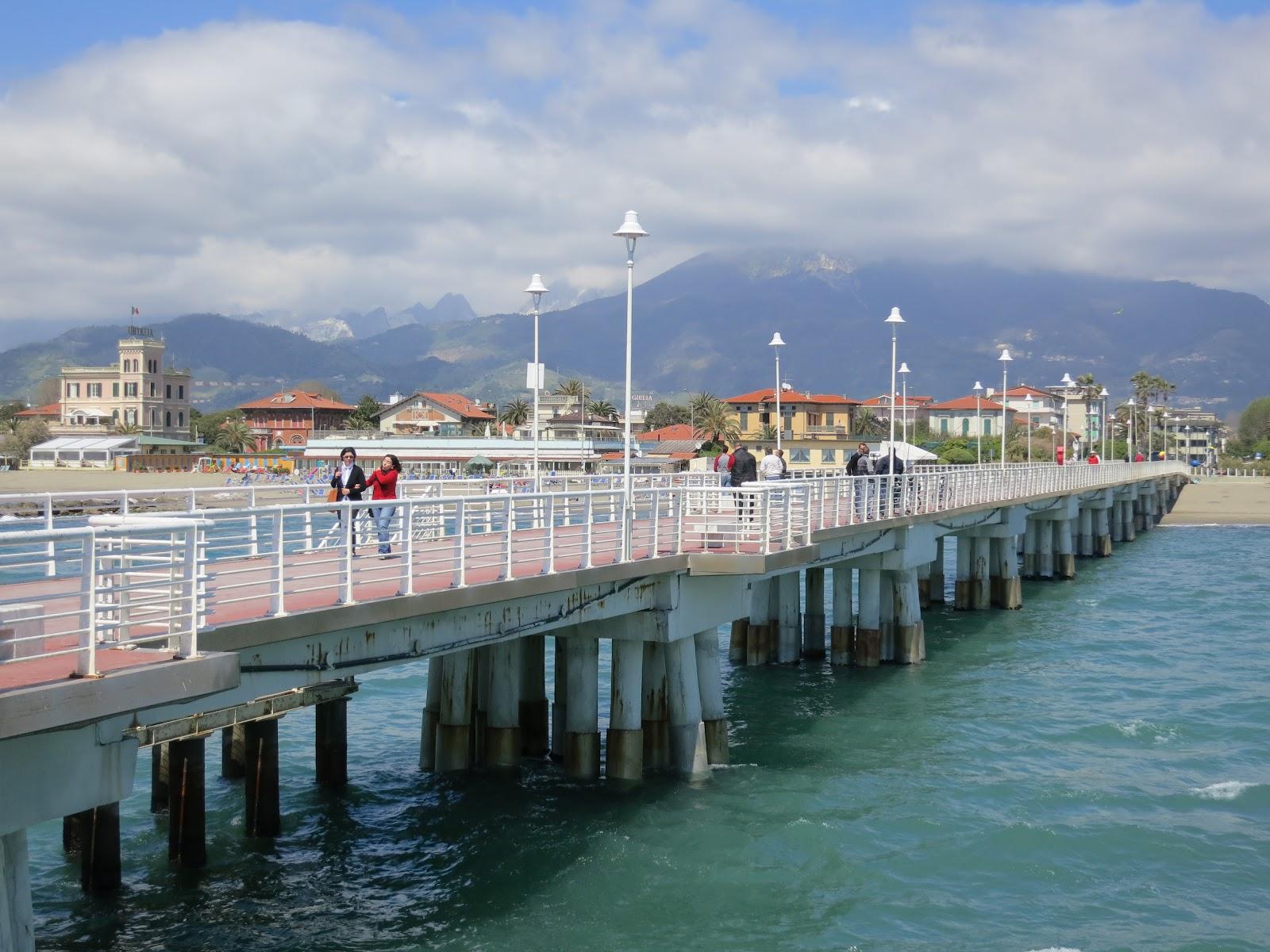 A Path To Lunch: Marina di Massa - A Real Italian Summer Resort