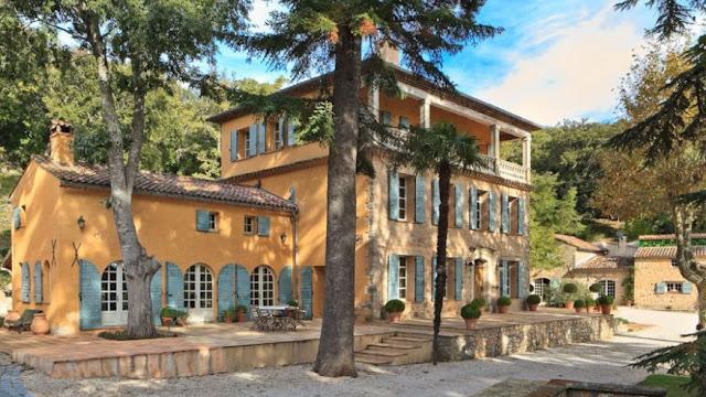 Escapada romántica a un palacio o una villa con Unique Properties and Events