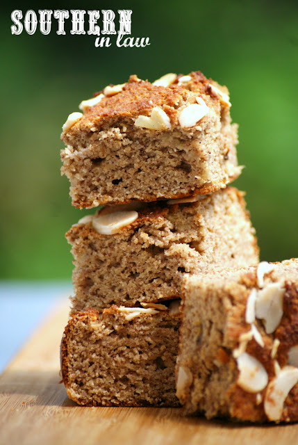 Easy Paleo Banana Almond Cake Recipe - low fat, gluten free, grain free, dairy free, sugar free, healthy, paleo, low carb, flourless, clean eating recipe, quick snack recipes