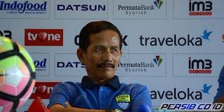 Djanur Kembali Nyatakan Mundur sebagai Pelatih Persib Bandung