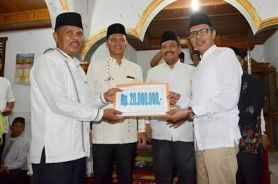 Saat Pimpin TSR Ramadhan, Gubernur Irwan Prayitno Apresiasi Ramainya Masjid Raya Kampung Kandang