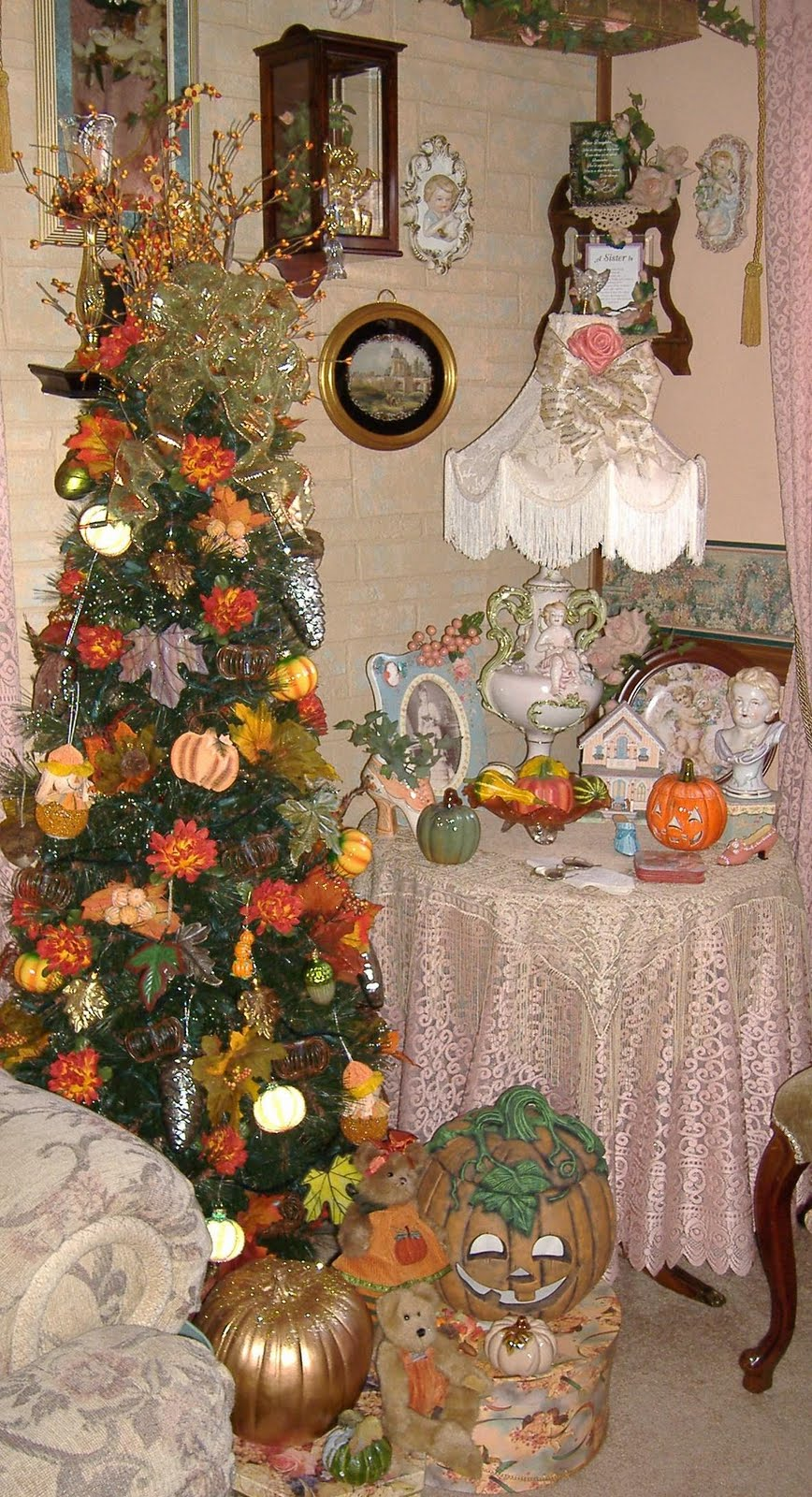 A DEBBIE-DABBLE CHRISTMAS: Trees All Year Long 2011!!