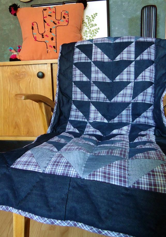 narzuta na fotel, patchwork z jeansów i koszuli w kratę, pikowany ręcznie
