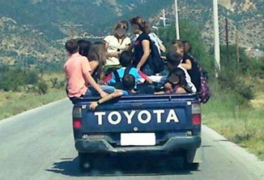 Αποτέλεσμα εικόνας για φορτηγάκι γυφτοι