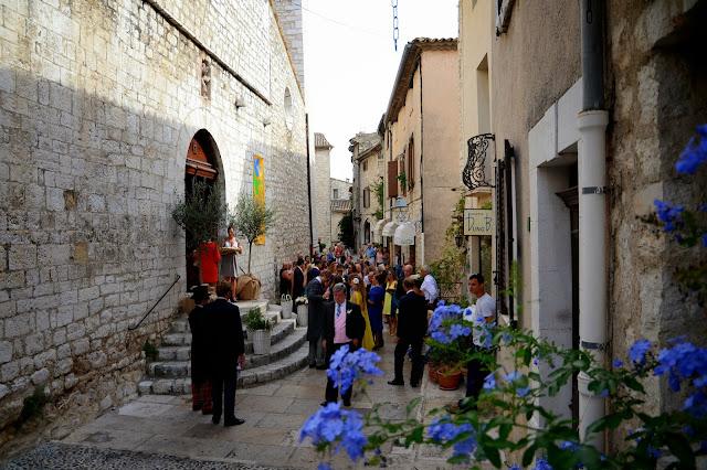 생 폴드방스 마을의 결혼식 풍경