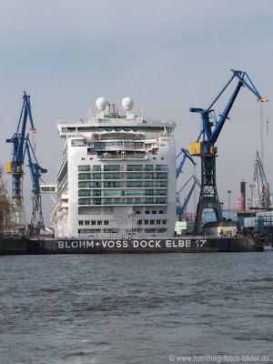 Ventura  im Dock von Blohmund Voss