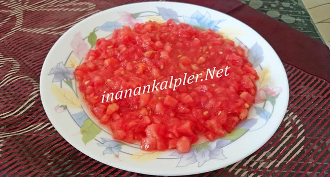 Küp doğranmış domates