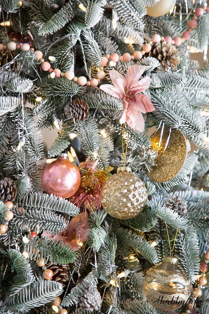 pink-christmas-tree