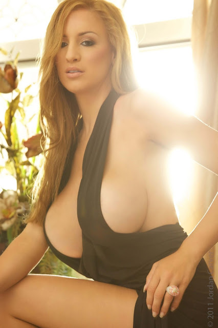 sexy-Jordan-Carver-Symphony-5th-hot-Photoshoot-HD-Pic-11