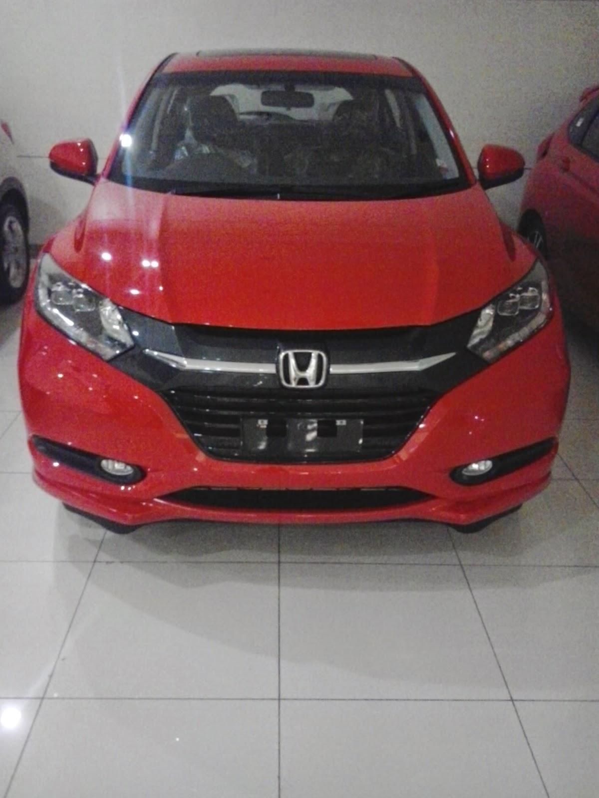 Honda HRV Merah Di Dealer Mobil Honda Cikarang