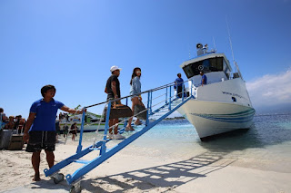 http://www.lomboksociety.com/2017/12/patagonia-fastboat-bali-to-gili-air.html