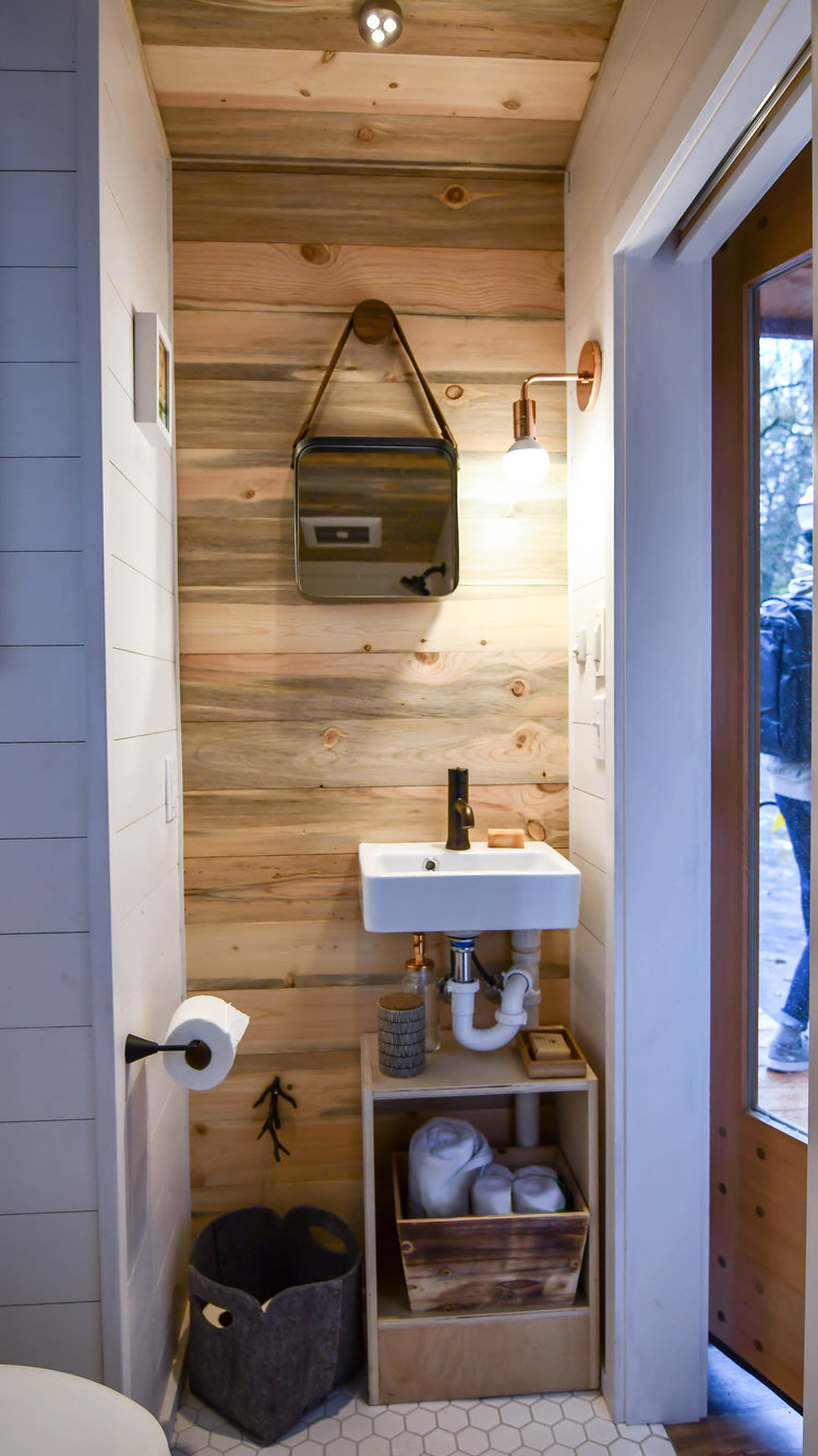 16 Tiny House Interior Design Ideas: TINY HOUSE TOWN: The Verve Lux From Tru Form Tiny Homes