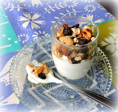 Crunchy Yogurt Pots