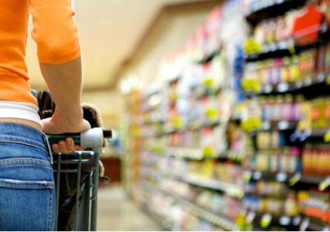 Economia brasileira ainda vai mal para 81% dos consumidores, segundo SPC Brasil/CNDL