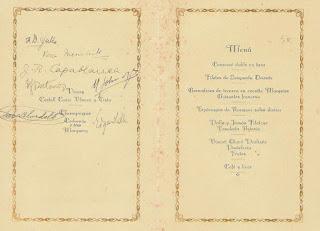 Interior firmado del díptico que anunciaba el banquete de clausura del Torneo Internacional de Ajedrez Barcelona 1929