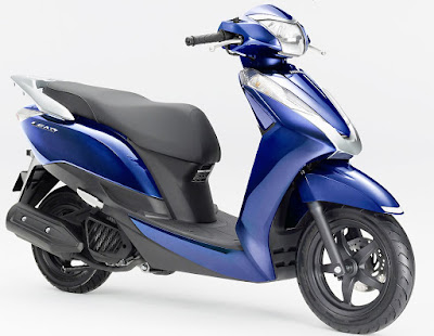 2016 Honda Lead 125 cc Scooter side view pose