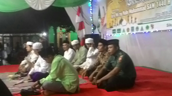 Babinsa Sikanco Hadiri Peringatan Isro Mi'roj di Masjid At Taqwa