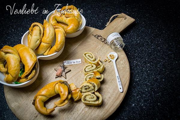 Blog Dinner im März: Wildkräuter-Croissants -Rezept für die Kräuterküche