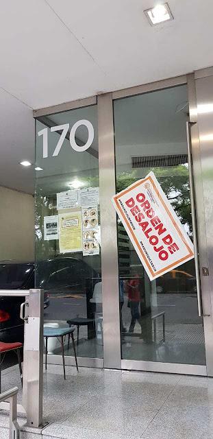 """Embajada de Venezuela en Argentina amaneció con """"orden de desalojo"""" por ilegítimos (Foto y Video)"""