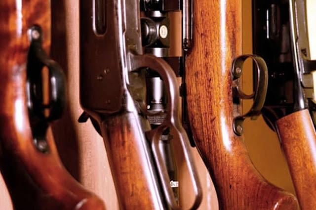 Paesi Bassi, Per essere equipaggiati con un'arma devi dichiarare la tua razza e fede